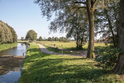 De 6e of Voetpadkom maakt deel uit van het inundatiestelsel van de Grebbelinie. Gezien vanaf de de  © Bert van As