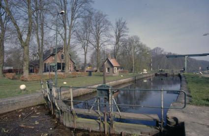 Schutsluis in het Apeldoornskanaal bij Hattem, Gelderland. © Paul van Galen (RCE)