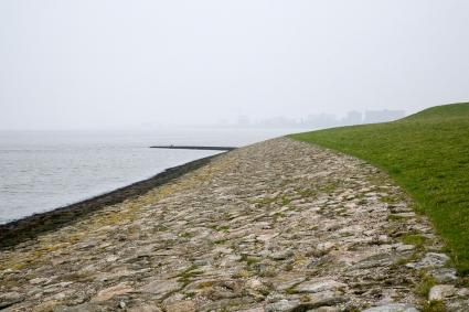 Zeedijk bij Nansum. Cultuurhistorische Routes in Nederland 59; Appingedam Delfzijl; pag. 45 © RCE, Bert van As