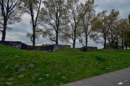 Geniedijk Haarlemmermeer met mitrailleurposten © B. van Veen