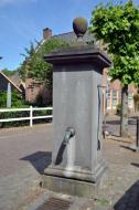 Pomp in vesting Woudrichem © B. van Veen